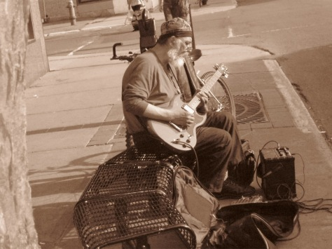 Bluesman sur la rue Wellington